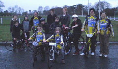 Alex Meakin, Josh Meakin, Campbell Perrins, Kaneo Ingram, Marvin O'Brien, Michael O'Brien, Zachary O'Brien, Rocky O'Brien, Chris Browning and representatives from Mazeley Youth Club