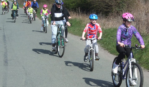 Cyclists heading for Fradley