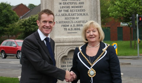 Cllr Alan White and Cllr Janet Eagland in front of the Serjeantson Fountain