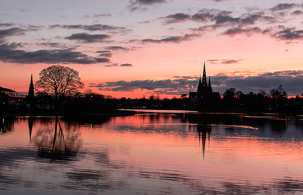 Sunset at Stowe Pool by Robert Ings