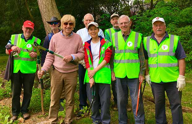 Michael Fabricant helping volunteers to clear footpaths in Hammerwich