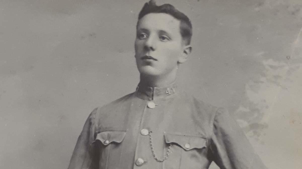 Albert Aiers in his police summer uniform in 1903