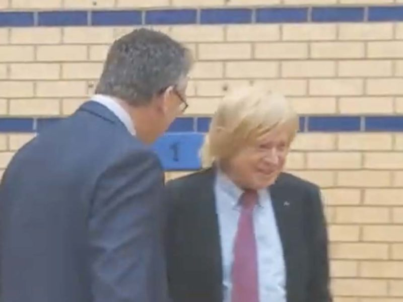 The awkward exchange between Cllr Paul Ray and Michael Fabricant at the General Election count