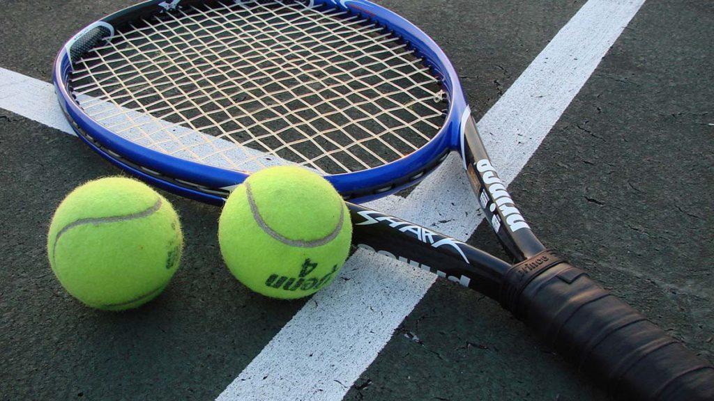 Tennis. Picture: Vladsinger