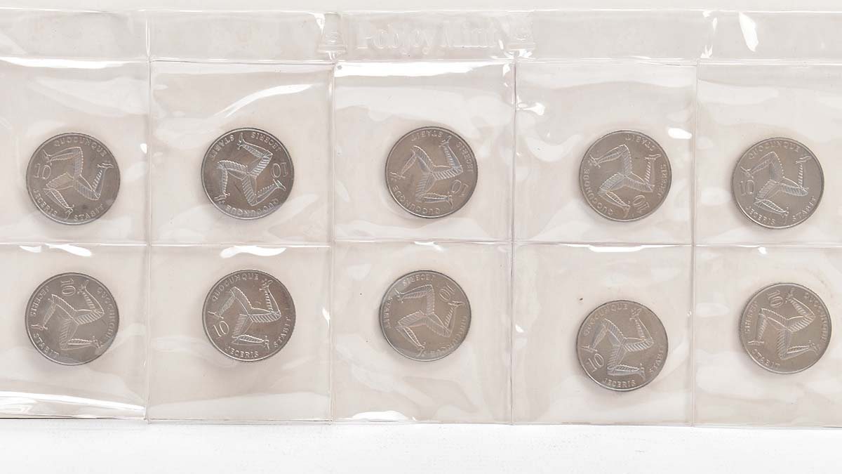 The 10p coins