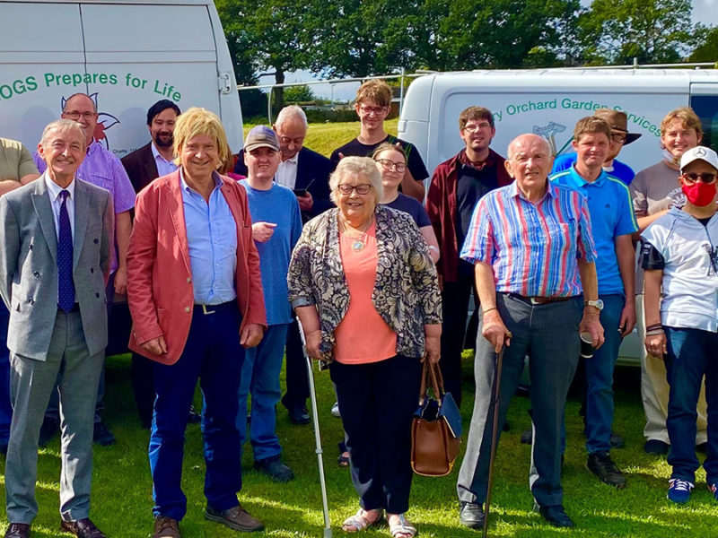Cllr Mike Wilcox, Michael Fabricant MP, Cllr Di Evans and Terry Finn with members of Cherry Orchard Gardening Services