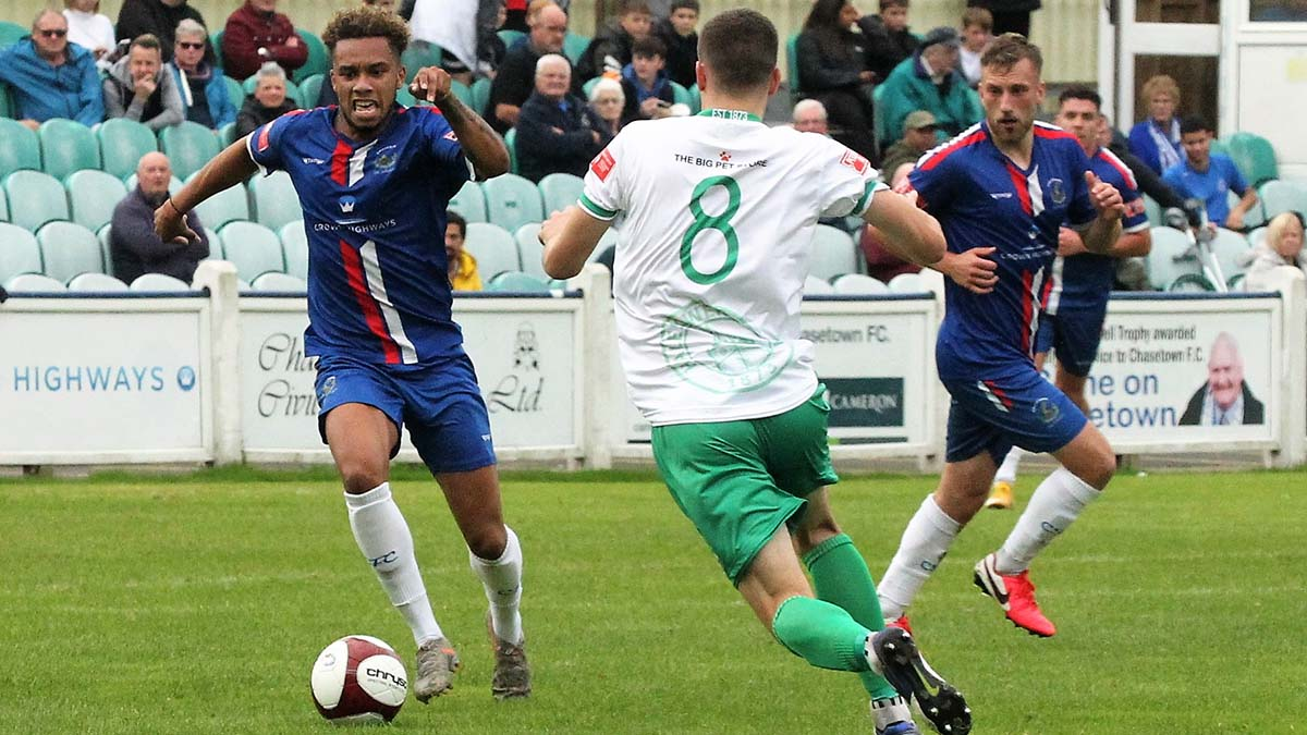 Dilano Reid on the ball. Picture: Dave Birt