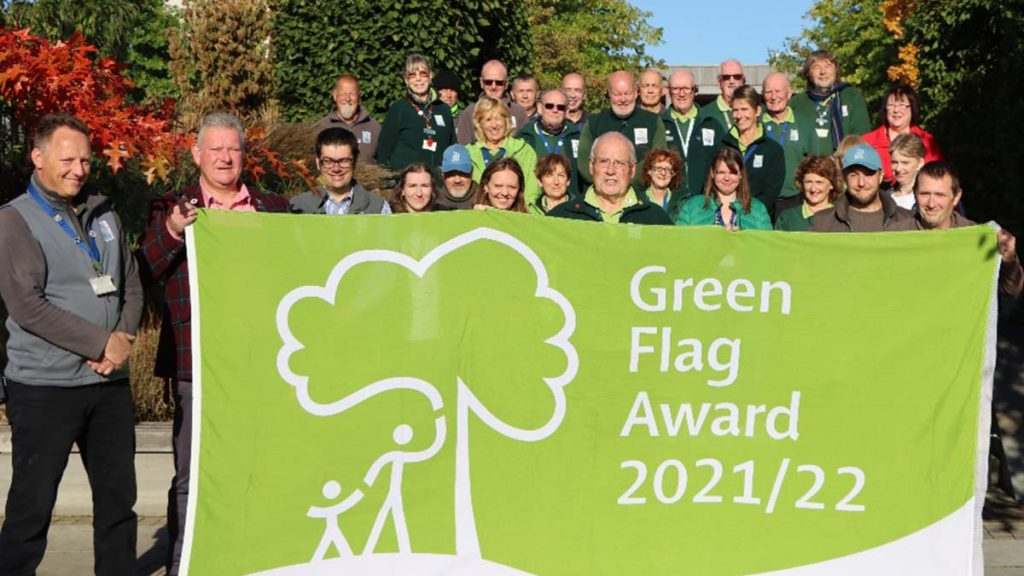 National Memorial Arboretum staff and volunteers with their Green Flag